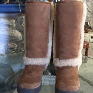 UGG Woman's Sunburst tall boots